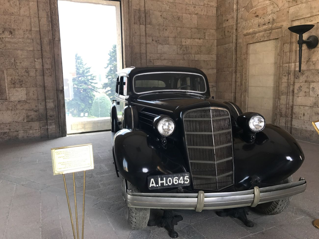 Anıtkabir Old-fashioned Transportation Retro Styled Land Vehicle Mode Of Transport Car Vintage Car Headlight Antique Collector's Car Day No People Architecture Outdoors