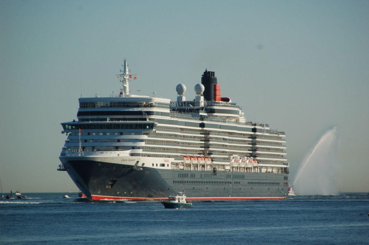 Cunard MS Queen Elizabeth Schiffe
