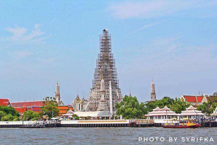 Morning 👱🏻♀️ Architecture Religion Built Structure Spirituality History Travel Destinations Bangkok Watarunbangkok Travel Photography