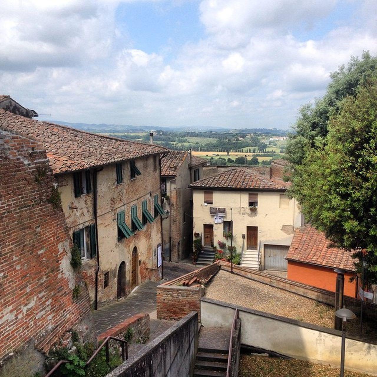 Pleasant day in Peccioli Igerspisa Ig_pisa igerstoscana ig_toscana vivopisa countrylife hills Pisa nofilter