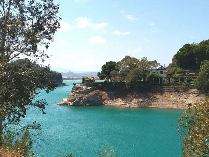 Vacations Beauty In Nature Tree Nature Nature Photography Lake Málaga,España Málaga Spain ❤ Pueblos De España