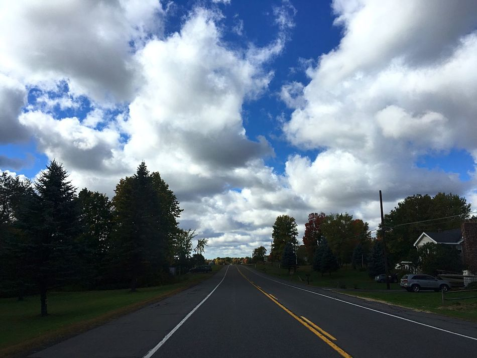 I went to visit my cousin at her college for the weekend and OH MY GOSH THE SCENERY HERE IS AMAZING GET READY FOR A SPAM Tree Road Transportation Cloud The Way Forward Sky Big Clouds Tranquil Scene Blue Countryside Country Road Street Empty Outdoors Check This Out Photography Perspective MyPhotography Taking Photos New York Follow_me No People Solitude Pretty Nice Sky