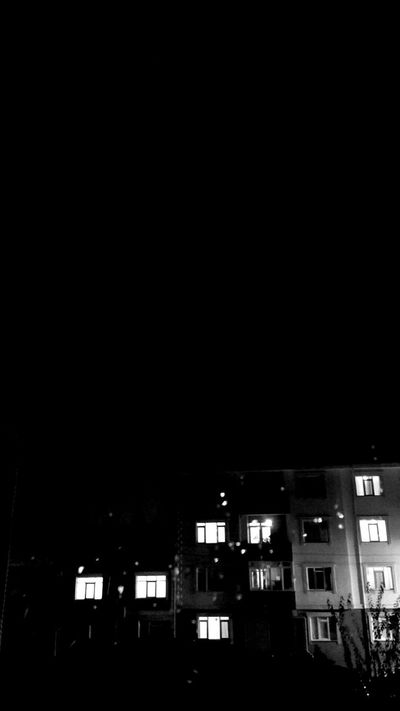 21.09.15 Rainy Night Rainy Weather Window Neighbours Night Lights Blackandwhite Siyahbeyaz Yağmurdamlası Yağmur Blacksky