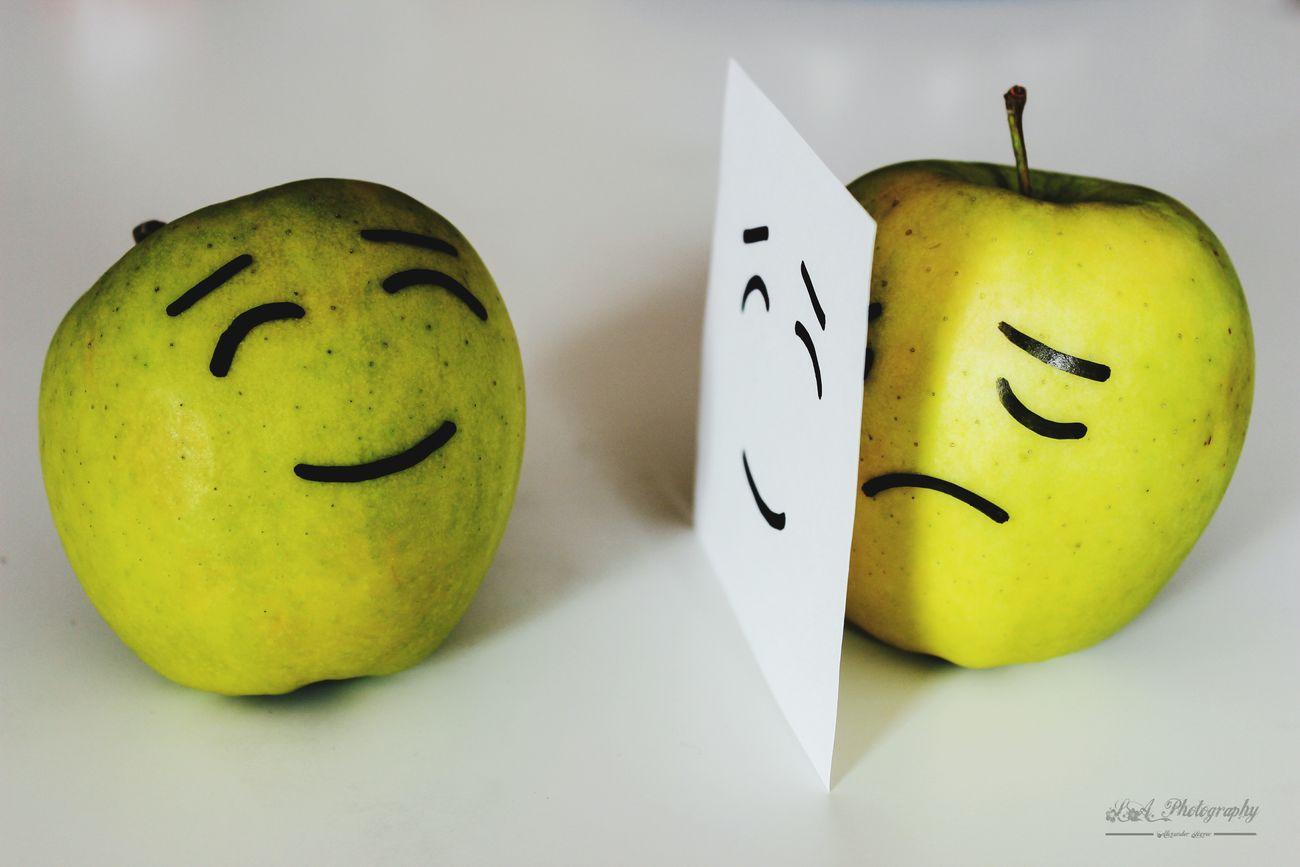 Wenn das Lächeln nur eine Fassade ist. Hello World , Austria , Styria , EyeEm Best Shots , Apple Smiley