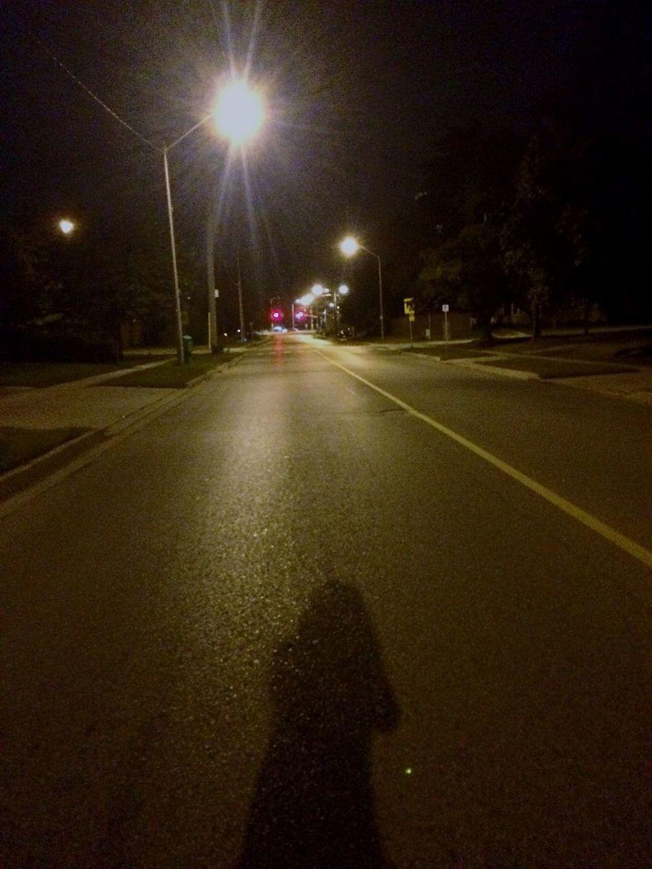 Coming home one night 🌙 Late Walks Nightphotography Night View