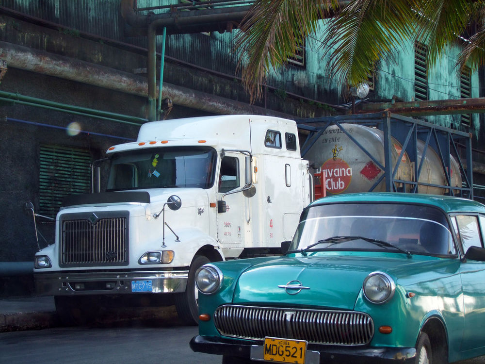 Cuba Car Plant Commercial Land Vehicle Cuba Day Havana Club Land Vehicle Mode Of Transport No People Old Cars Outdoors Transportation Truck