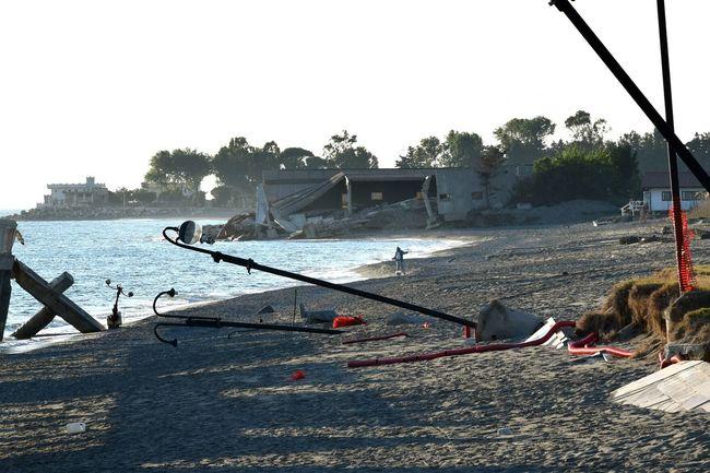 TakeoverContrast Sea Water Cloud - Sky Fishing Man Calabria (Italy) Tirreno Mareggiata Sea Power Power In Nature