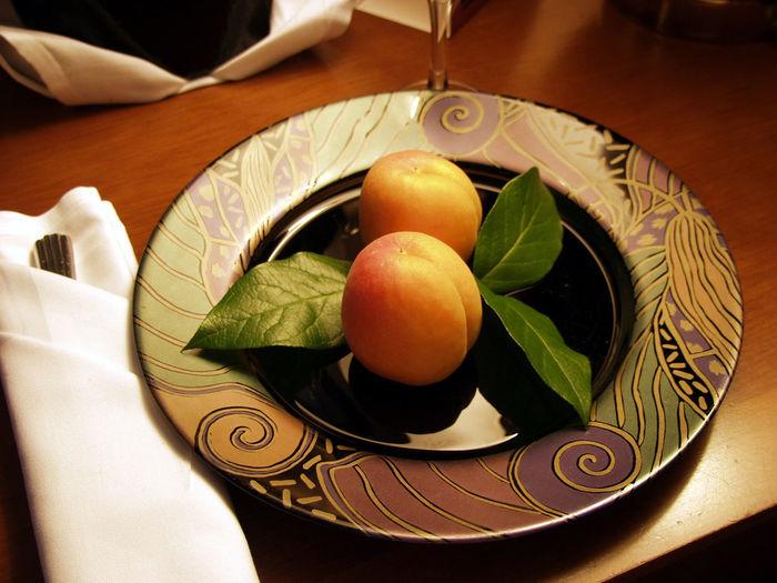Close-up Food Freshness Fruit Fruit Plate Fruits Fruits ♡ Hotel Greeting Hotel Room Hotel Service Hotel Snack Maryland Pics Maryland USA Marylandphotographer Nectarine Nectarines Ready-to-eat