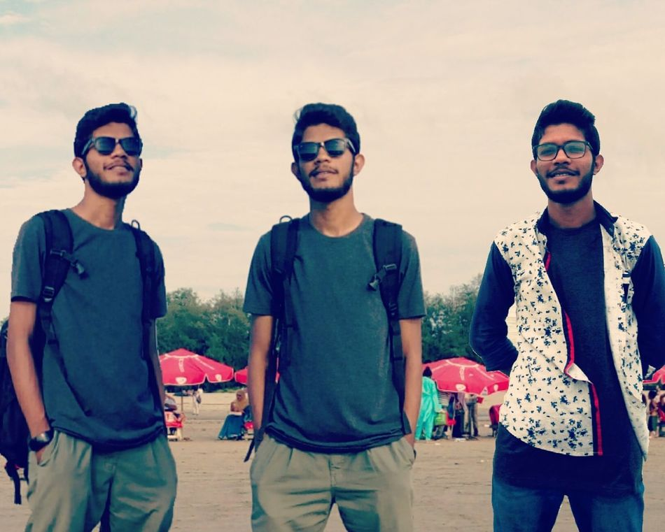 clone 😂 Sunglasses Casual Clothing Lifestyles Portrait Front View Outdoors Hipster - Person Sky Leisure Activity Summer Beard Men Sunglasses Casual Clothing Young Adult Lifestyles Fashion Portrait Friendship Men Front View Adult Outdoors Beard Hipster - Person First Eyeem Photo