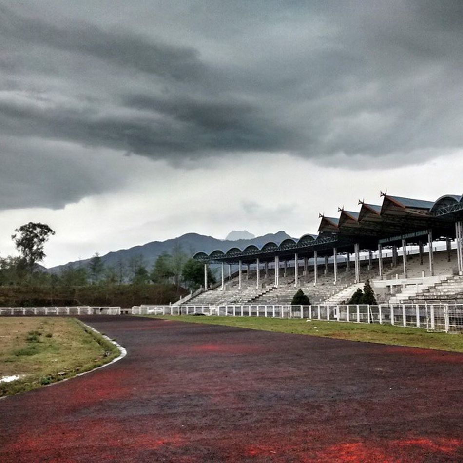 Nothing like an early morning long jog to make you feel drowsy and tired the rest of the day. 😥😴 Run Jog Earlymorning  Track Ig Stadium Nagaland Clouds Japfü