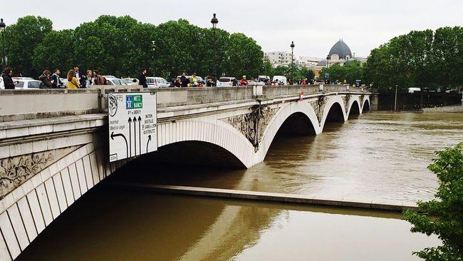 Paris Laseine Cruise Bridge River Instapic #instaphoto #instalike #instafollow #follow4follow #like4like #tagsforlikes #tags4likes #asian #philippines #australia #paris #london #uk #usa #ksa #uae #foodstagram Foodgasm Foodporn