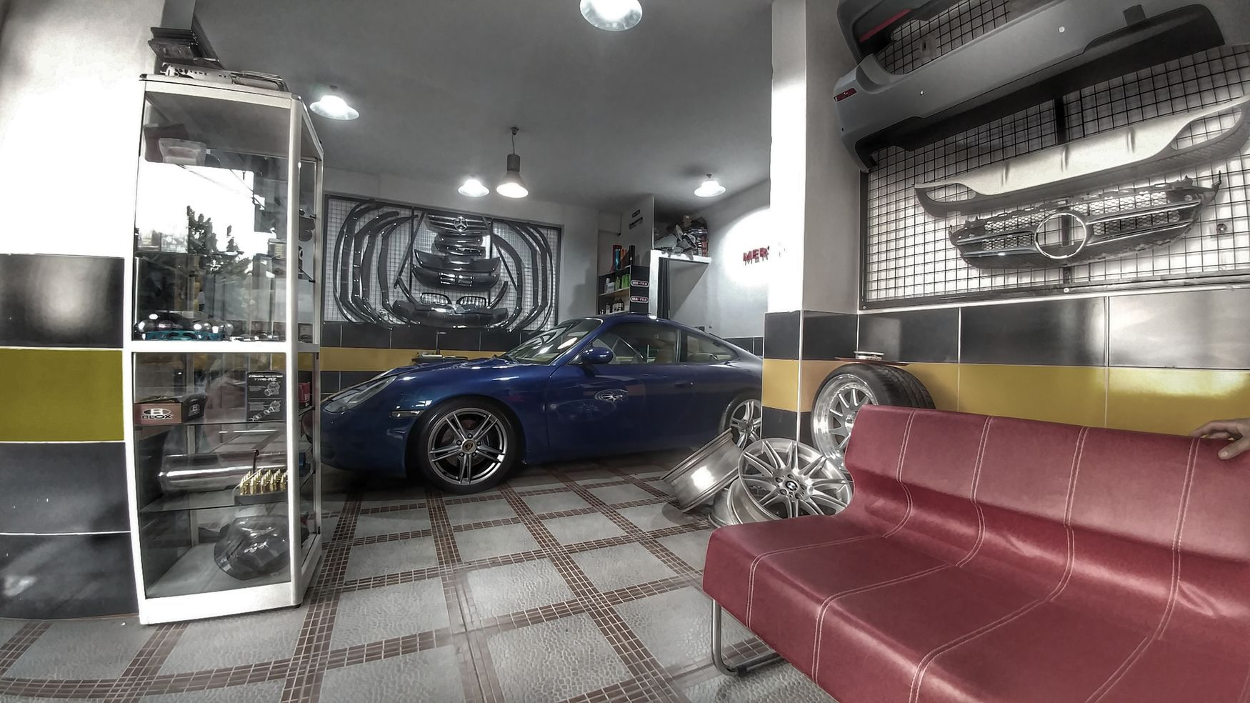Porsche Carrera4s blue Garage Tuninglife Workshop Tuning Modification