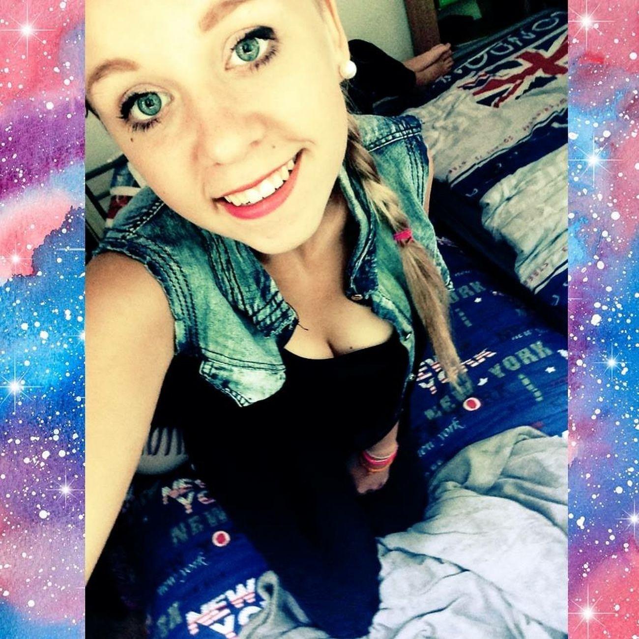 Méfie toi de ce sourire sourire d'ange un démon ce cache deriere👊. Kevin Mon Bonheur🔐💖