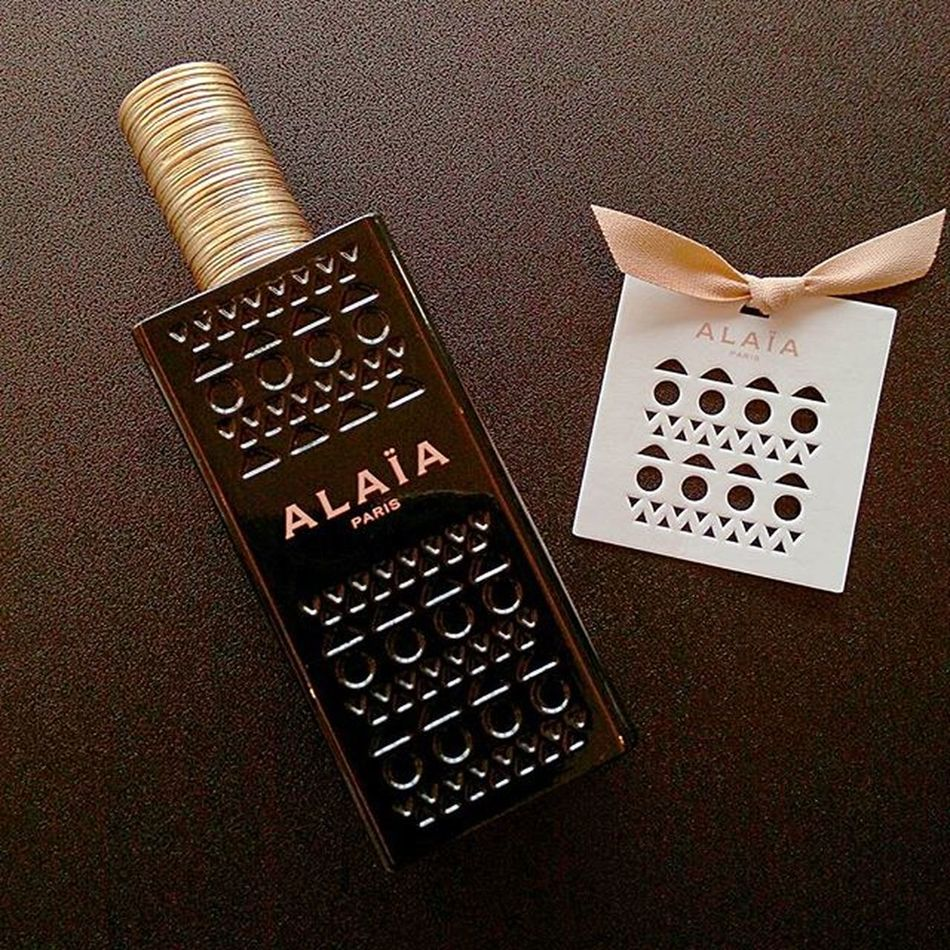 Azzedine Alaïa推出的首款香氛Alaïa絕世女伶淡香精,Azzedinealaïa Alaïaparis Perfume ALAIA絕世女伶淡香精 Mobile01 愛曼達