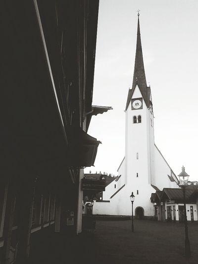 ::montag abend:: Black&white Church