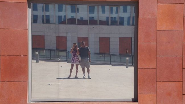 Photography Photographer Architecture Building Exterior Standing Modern Simplicity Mirrorselfie Mirrored Mirror Picture Modern Art Man Woman Potrait Lissabon Portugal
