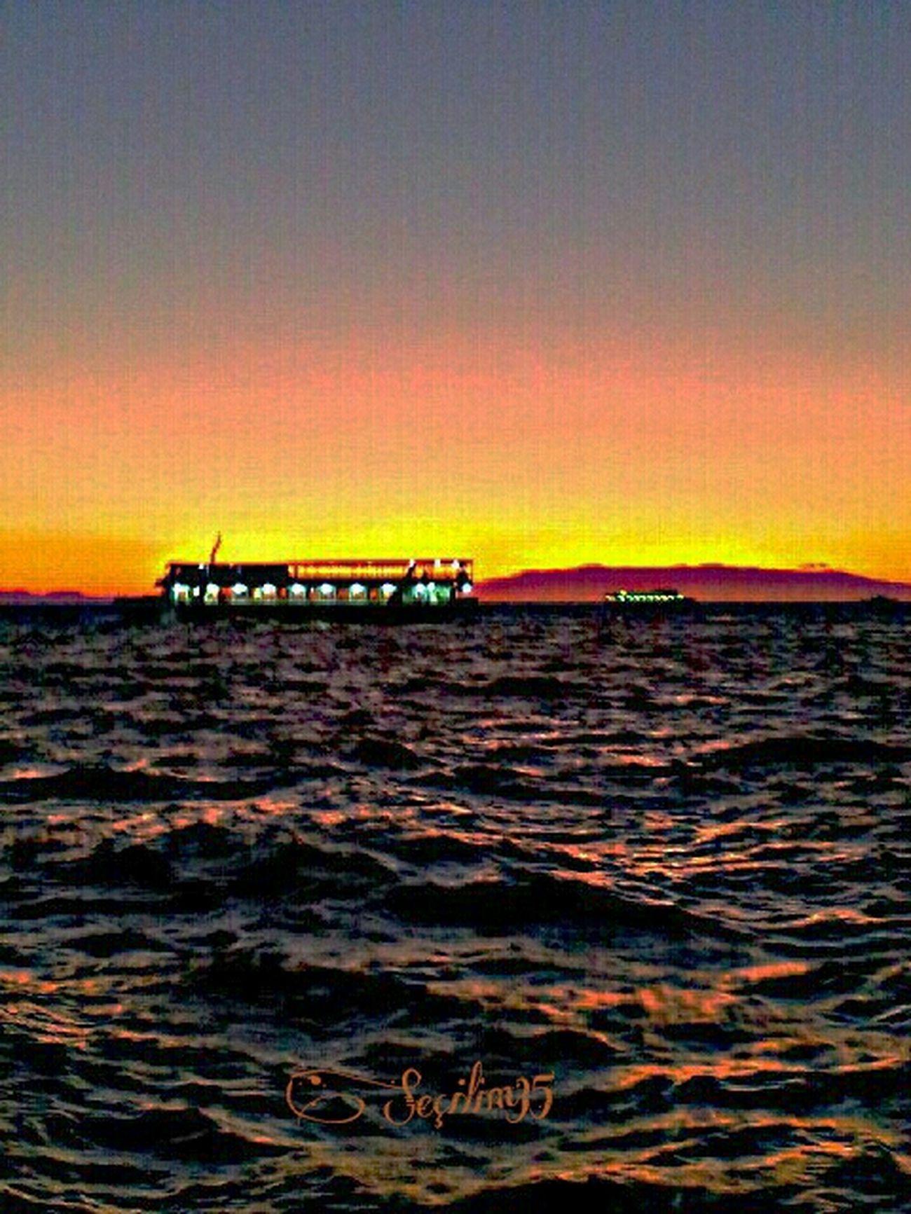 Uzaktaki yakinlar... Sea Love Turkey Izmir Sky_collection Sun_collection Nature_collection EyeEm Nature Lover
