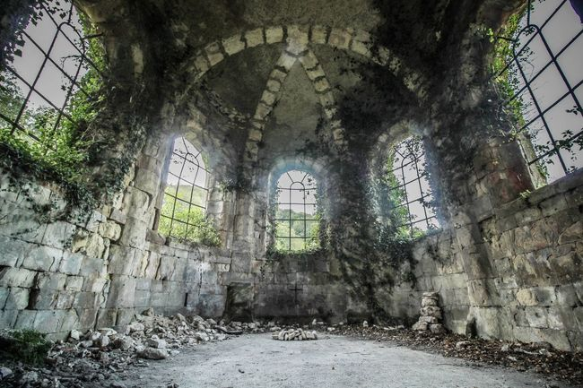 Architecture Built Structure History The Past Beauty Of Decay Urbexexploring Abandoned Verlassene Orte Urbexphotography Urbex_rebels Lostplace No People Lostplaces Abandoned Places Indoors  Illuminated