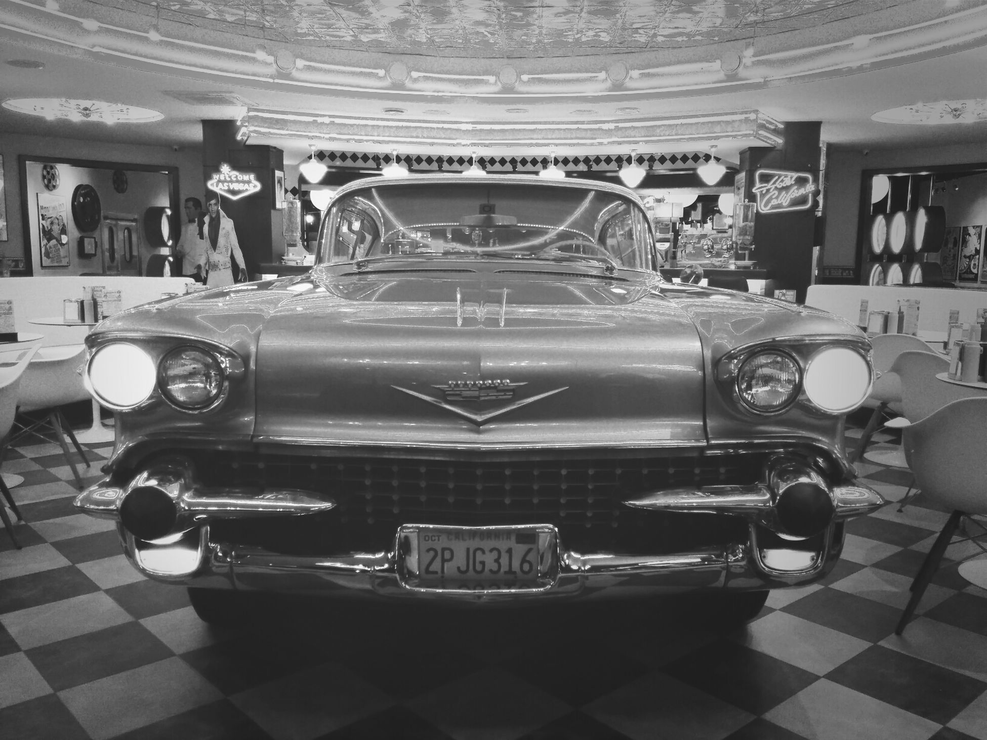 кадиллак в Beverly Hills Diner Cadillac Moscow Moscou
