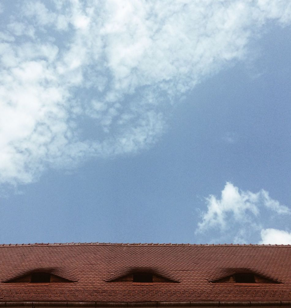 Sky Cloud - Sky No People Architecture Built Structure Day Outdoors Roof Nature Tiled Roof  Copy Space Clouds Blue Sky Red Tiles Interesting Architecture House Roof Day Light Funny Rooftoop