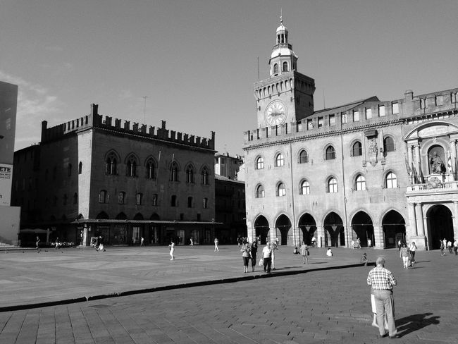 Dreaming with my eyes open Walking Around Streetphotography Bologna Streetphoto_bw