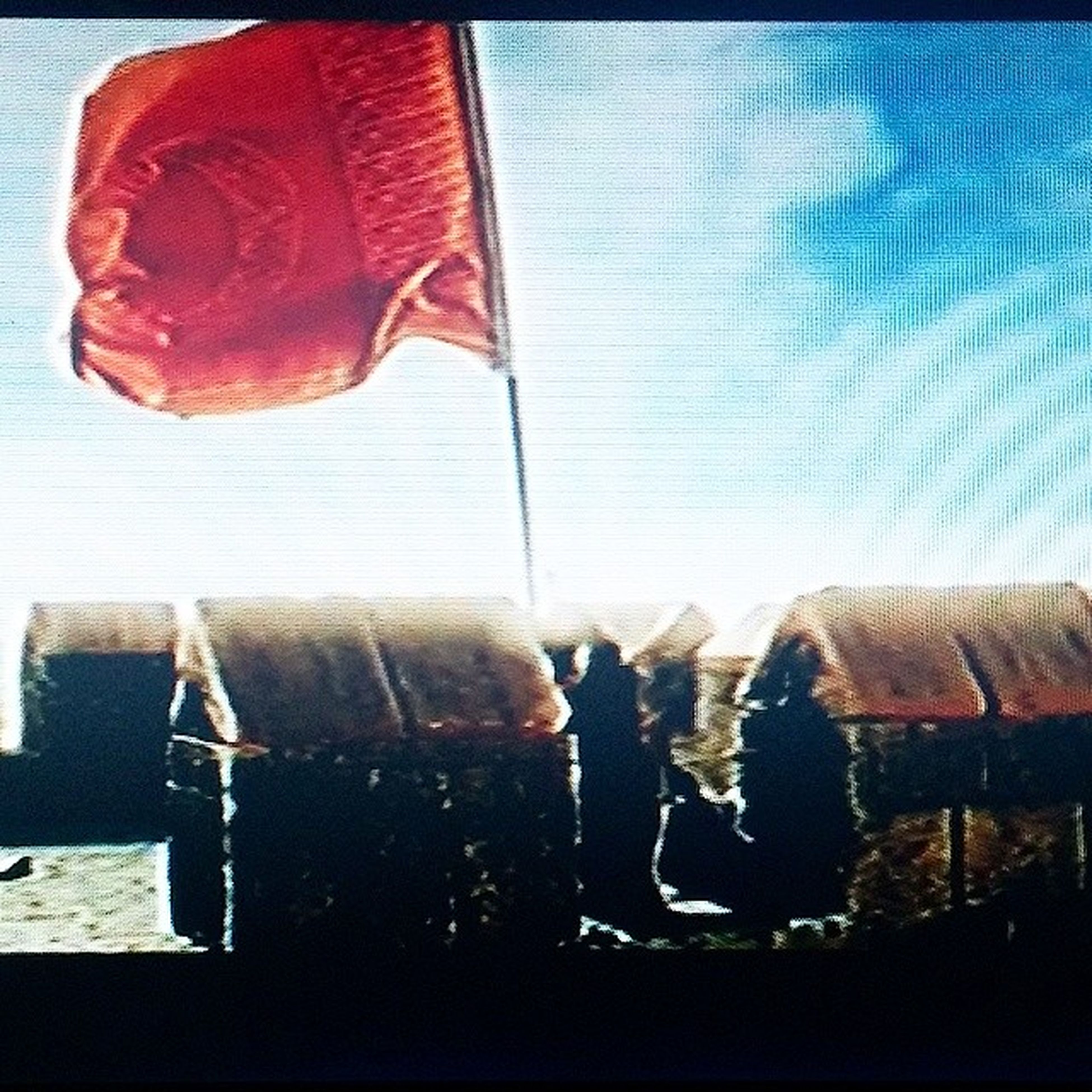 Bayraklari Bayrak Yapan Uzerindeki kandirtoprakugrundaolenvarsavatandirdirenfilistinyenidendunyayahukmedecegimizgunlercokyakinda...