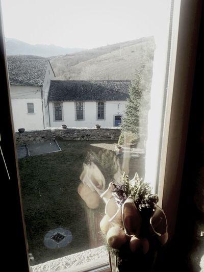 una abraçada des de darrera la finestra!! capde de relax!! btarda amicd!!