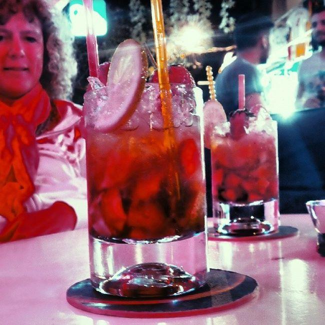 Deepbluebar Fethiye Strawberry Caipirinha kokteyl