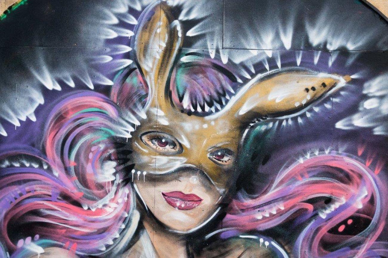 Live, Love, Laugh Spray Can Artwork One Person Multi Colored Graffiti England🇬🇧 Streetart Creativity Street Art Art Graffiti Art Urbanarts ArtWork Streetartphotography London StreetArtEverywhere LONDON❤ STRRET ART/GRAFFITI Londra Spray Paint UrbanART Abstract Clock