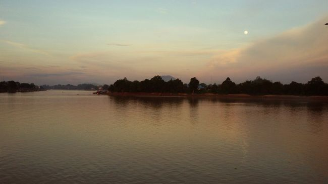 Sungaikapuas Kapuasriver Westborneo KALIMANTANBARAT INDONESIA Eyem Nature Lovers  River View Hills Bukitkelam