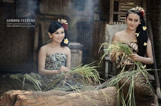 simple pose photogrpahy lombok island culture....