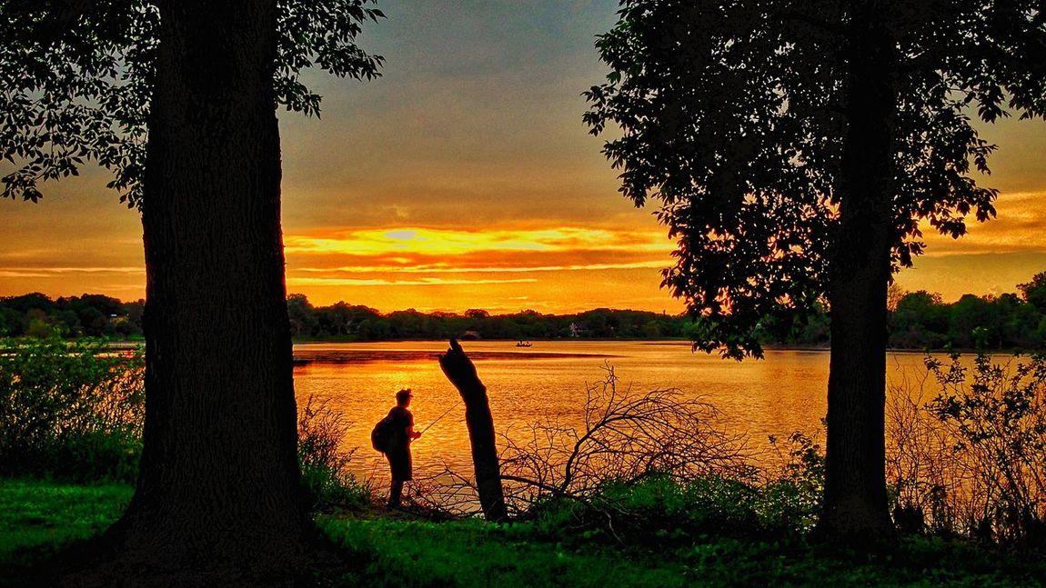 Lake Of The Isles City Of Lakes Minneapolis Sunset Amazing Sunset Urbanphotography Urban Landscape Urban Photography Urbanscape Landscape
