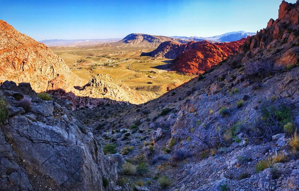 Kraft Mountian Trail Tranquil Scene Beauty In Nature Tranquility Nature Scenics Mountain Rock Formation Landscape Las Vegas Nevada Nevada Mountains Red Rock Canyon EyeEm Nature Lover Redrockcanyon EyeEmNewHere Mountain Range Clear Sky