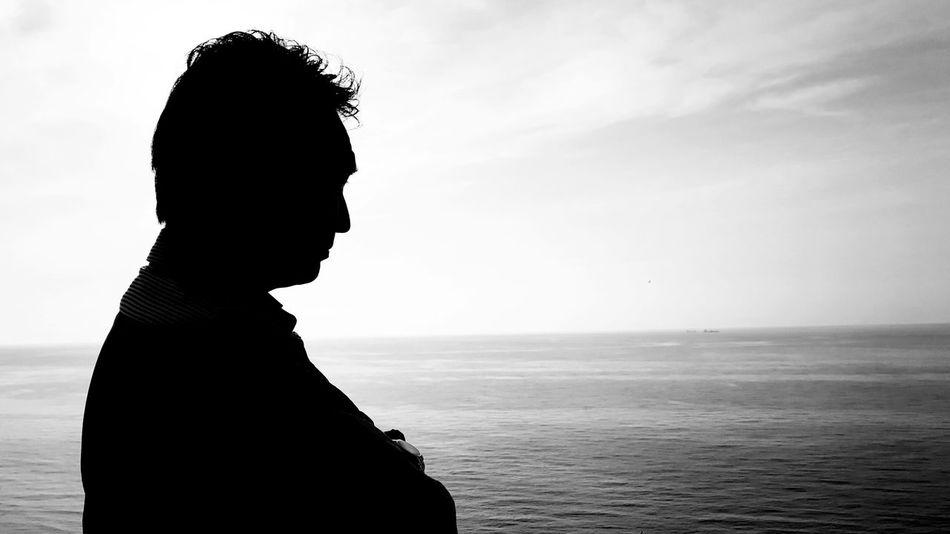 Sunset Sunset Silhouette Shadow Eyeem Best Shots - Silhouette Black And White あとは頼んだ 頼りにしてます✨ オレ様💕 スマホ頑張れ シルエット部 Silhouetteまだ悲しくなる時があるけど、おかげでずいぶん立ち直った(^^)
