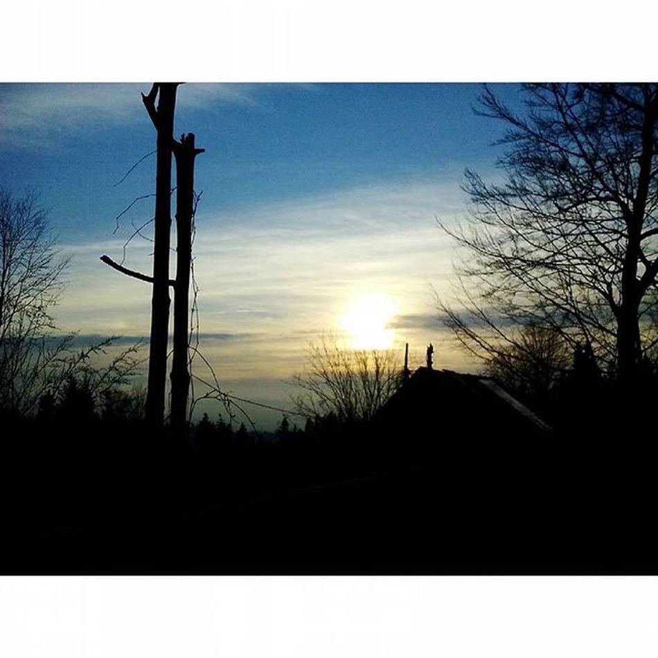 Instaphoto Mojafotka Mobilnytydzien Sky Tress Trip Happy Day Malopolska Turbacz Gory Gorce Poland Europe Podhale Sunset Sylewsterwgorach Friends Tatry Polish Mountain Pocztowkazpolski