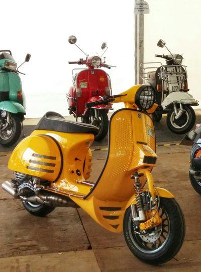 Motorcycle Vespa Scooter Old Scooter Vespagram Vespaspotting Vespapx Motorshow Scooteraphy Scooterlife