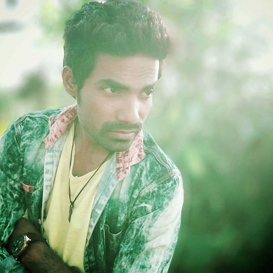 Be with someone who knows exactly what they have when they have you. Not someone who'll realize it, when they've lost you! ,Robinraj Mrrob Mrcool Daman JT Effect Edit Photopose Photography Raj Awesome Colour Green India