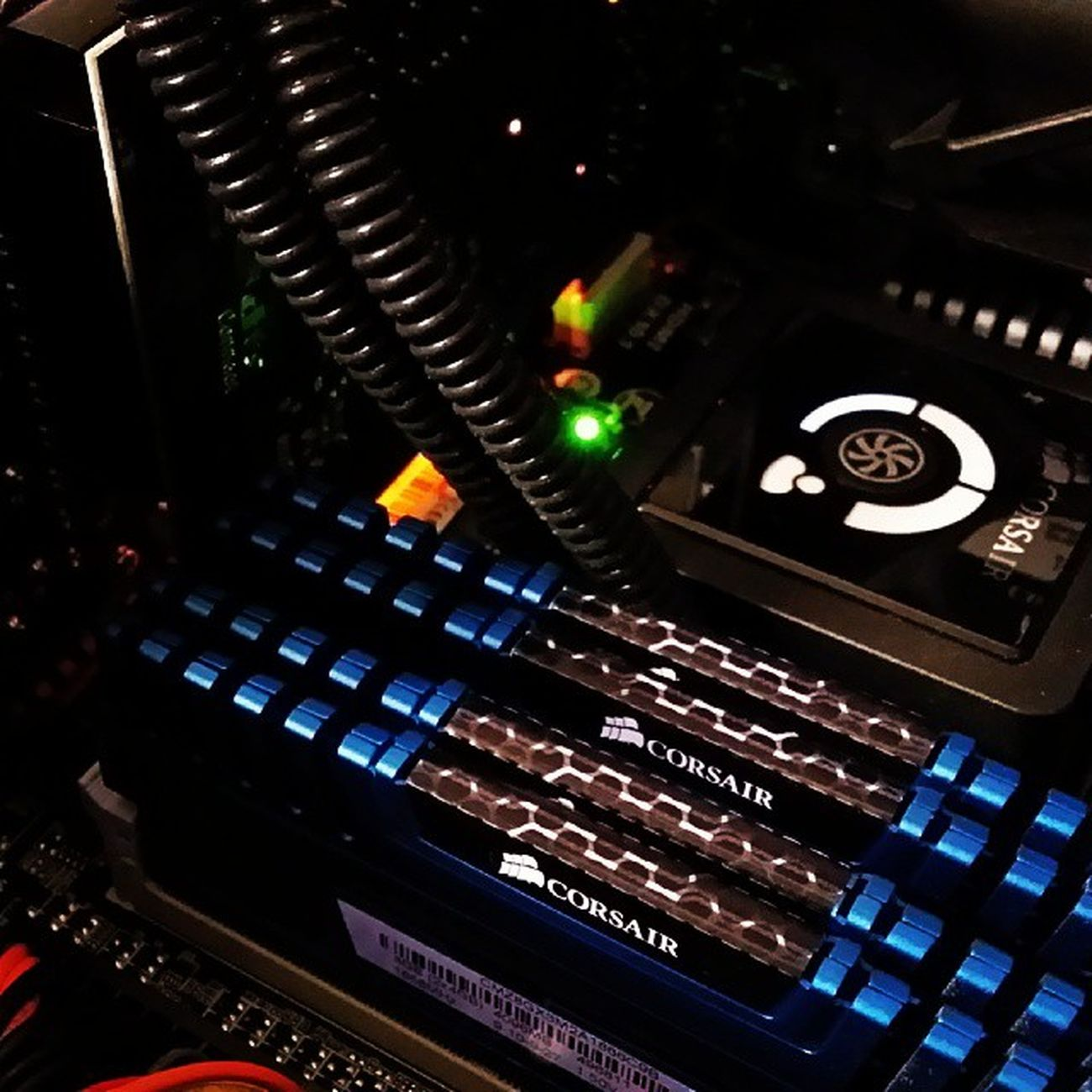 Computerporn PC Computer Graphics Liquidcooling Corsair RAM
