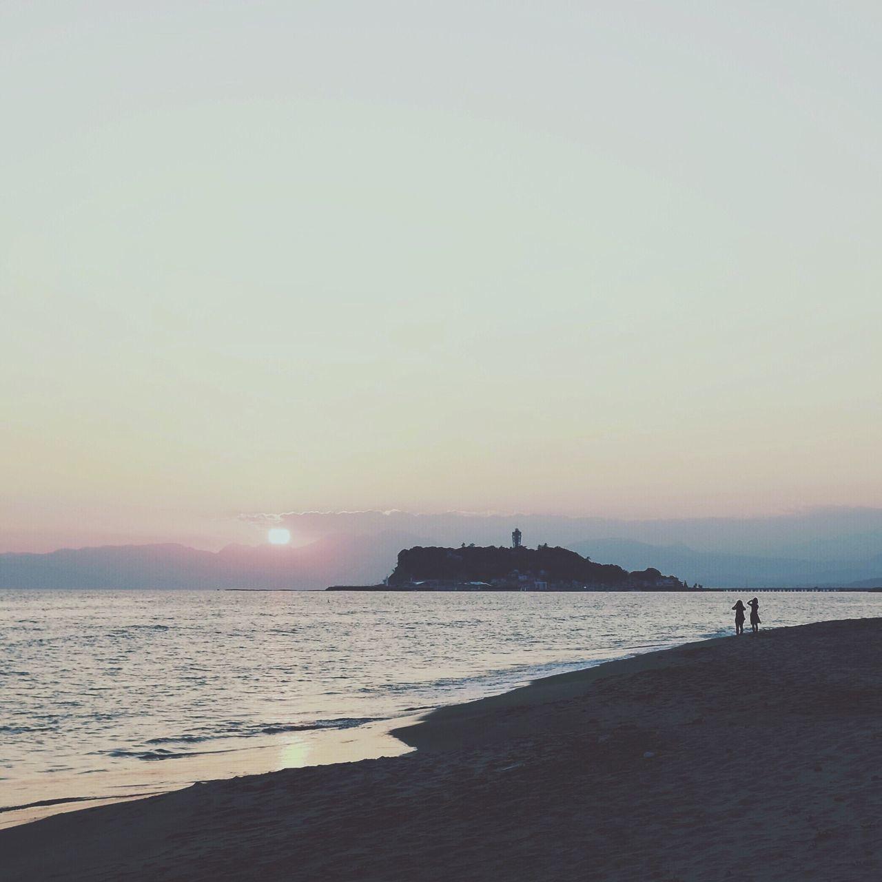 Beautiful stock photos of sunrise, Beach, Cloud, Horizon Over Water, Incidental People