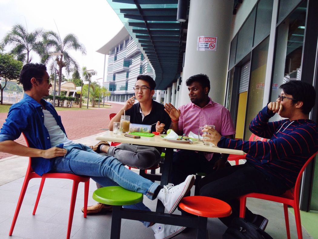 RePicture Friendship Friendship Bros Hanging Out these Malaysian and Indonesian boys are the best of friends Cultural Diversity Diversity Mix Bestfriend Guys Boys Will Be Boys Friendship Never Ends Friends Boys 1malaysia Youth Of Today Eating Lunch Time! Malaysia Culture Culture