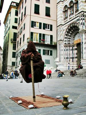 Levitation at Piazza San Lorenzo by Simodenegri