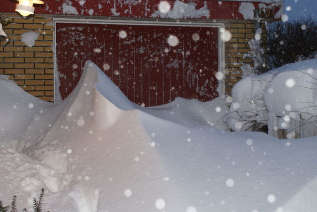 Cold Temperature Drive Way Extreme Weather Garage Door Outdoors Snow Weather Winter