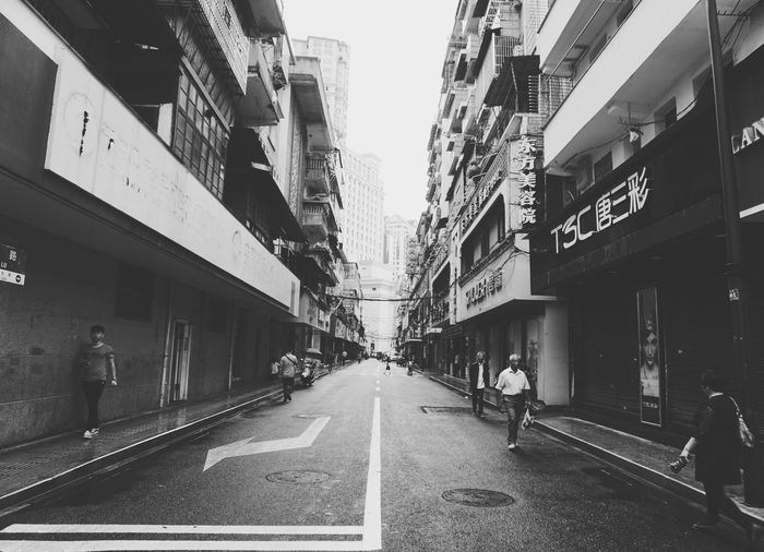 《时光 · 忙碌》By Sony a6000|拍自己想拍的 Sunmmer Streetphotography City Sonyphotography Black & White White China Sony Sony A6000 EyeEm China Monochrome Street