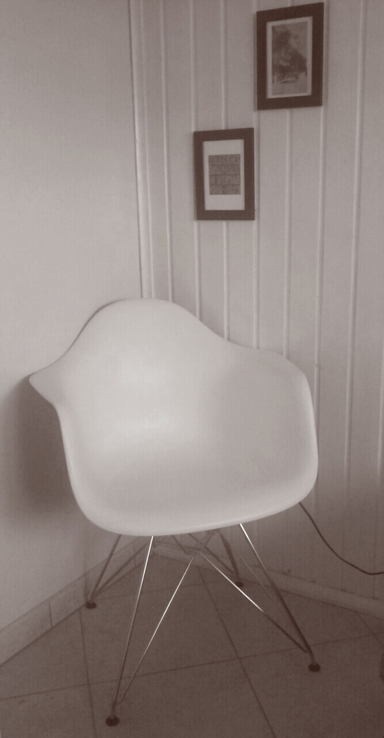wired chair,eames . Design Bw_collection The Press - Treasure Home Sweet Home