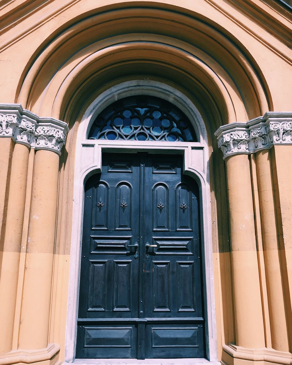 architecture, arch, door, built structure, window, no people, place of worship, day, building exterior, outdoors, close-up