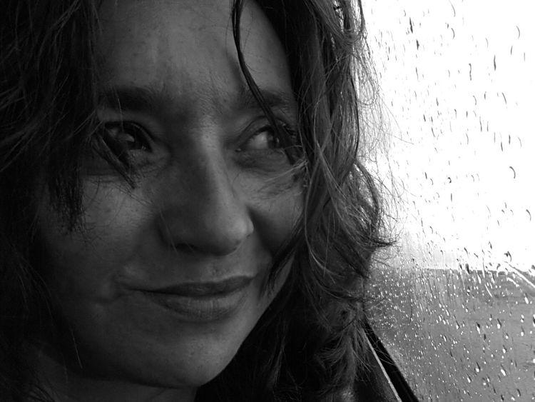 Black & White Dias De Lluvia Toro Zamora Pepole