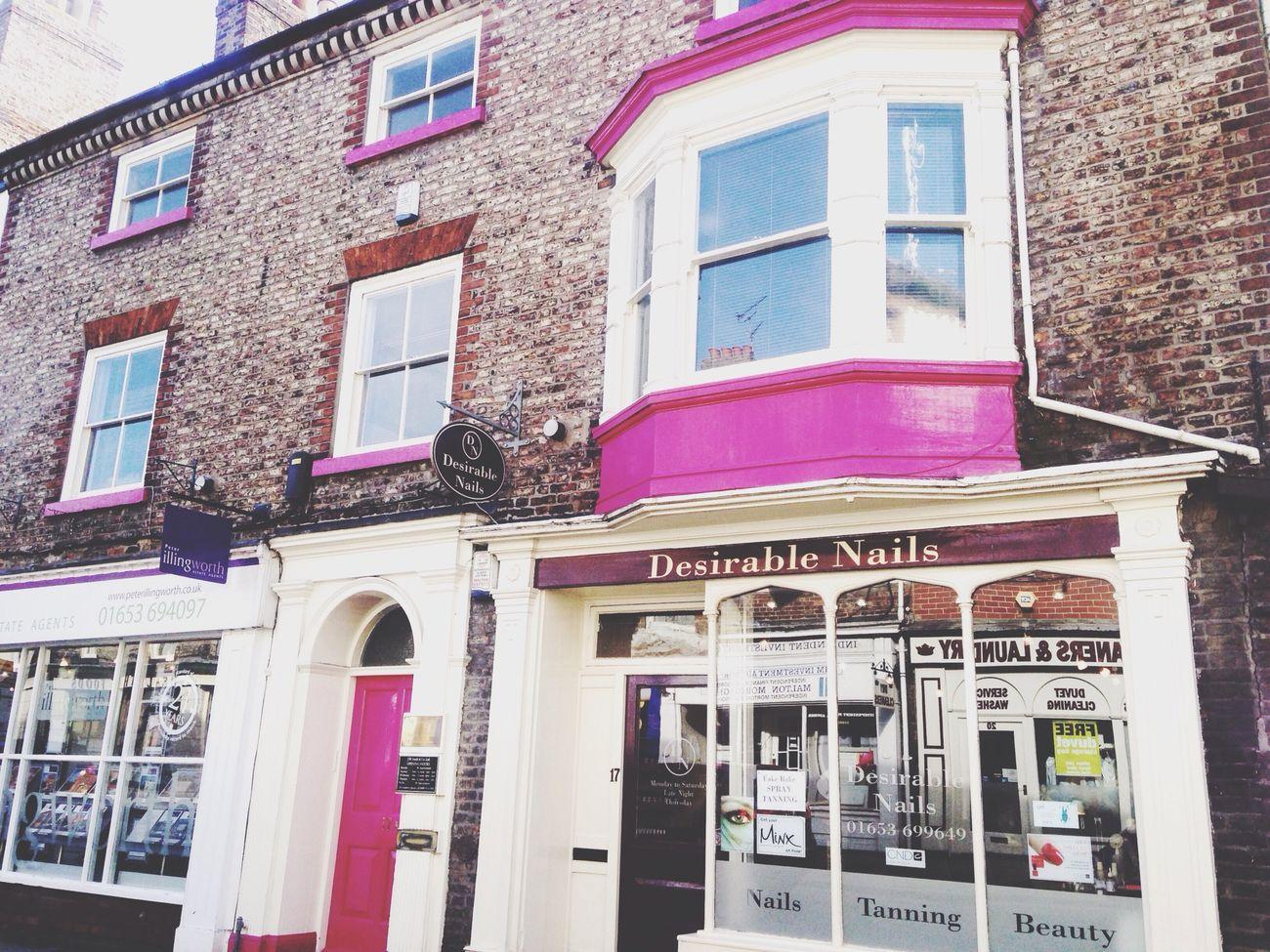 Nailstudio Pink House United Kingdom