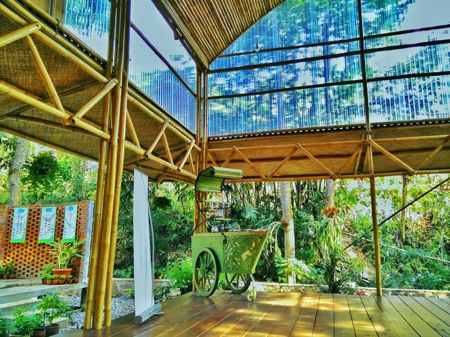 Bangunan pendopo martatilaar yang terletak di eco learning camp bandung Architecture Nature Bamboo Building Traditional Ecofriendly Relaxing