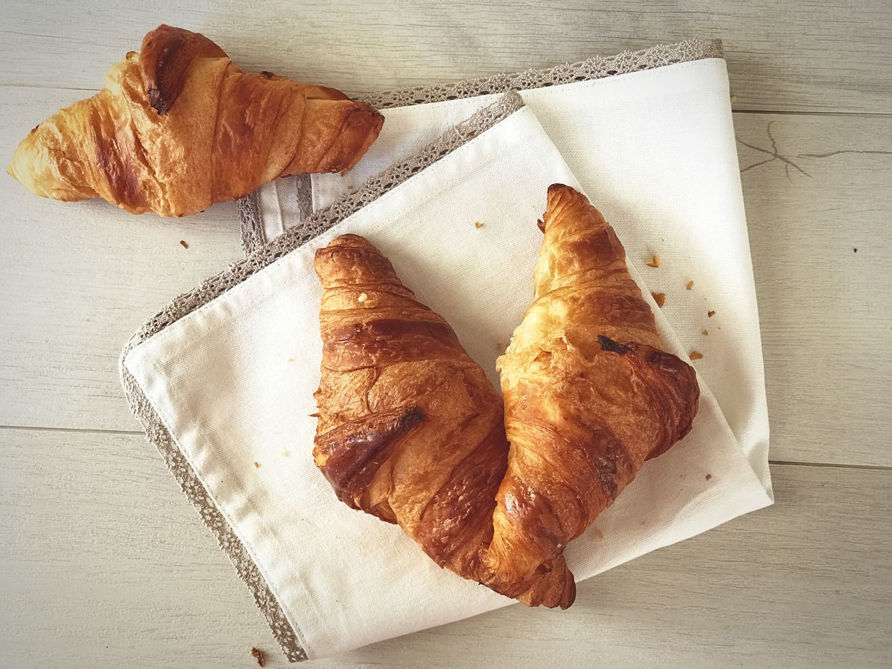 Croissants 🌙 High Angle View Food Croissant Bread French Food Table Food And Drink No People Cultures Indoors  Toasted Bread Freshness Ready-to-eat Day Warm Always Be Cozy Freshness Traditional
