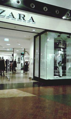 Shopping Zara So Tired